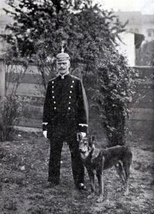 1910 Berlin Policeman & Dog